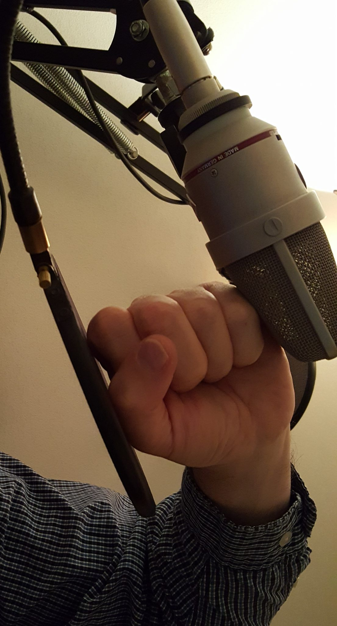 Mic Technique-Pop Filter Placement